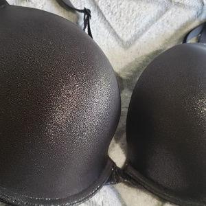 Victoria's Secret Tshirt Padded Plunge Bra 36C